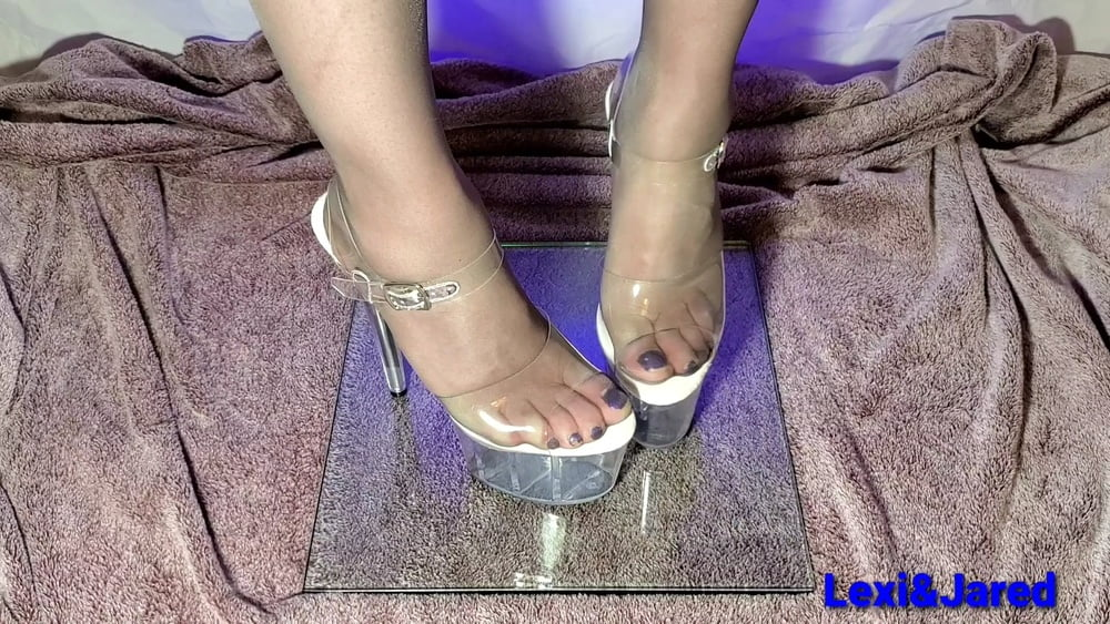 Nylon feet in flats