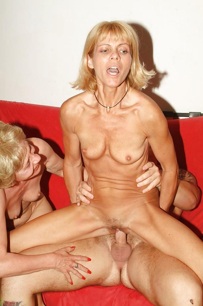 naked-woman-fucking-other-woman