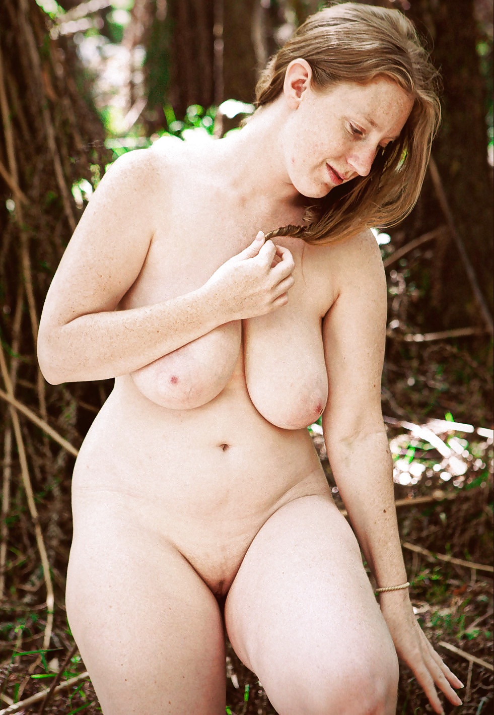Nude fatty australian girl