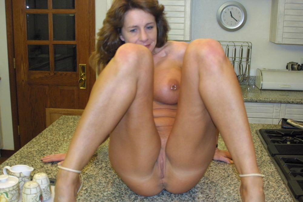Домашнее фото голых жен в возрасте » Смотреть бесплатно порно онлайн | 667x1000