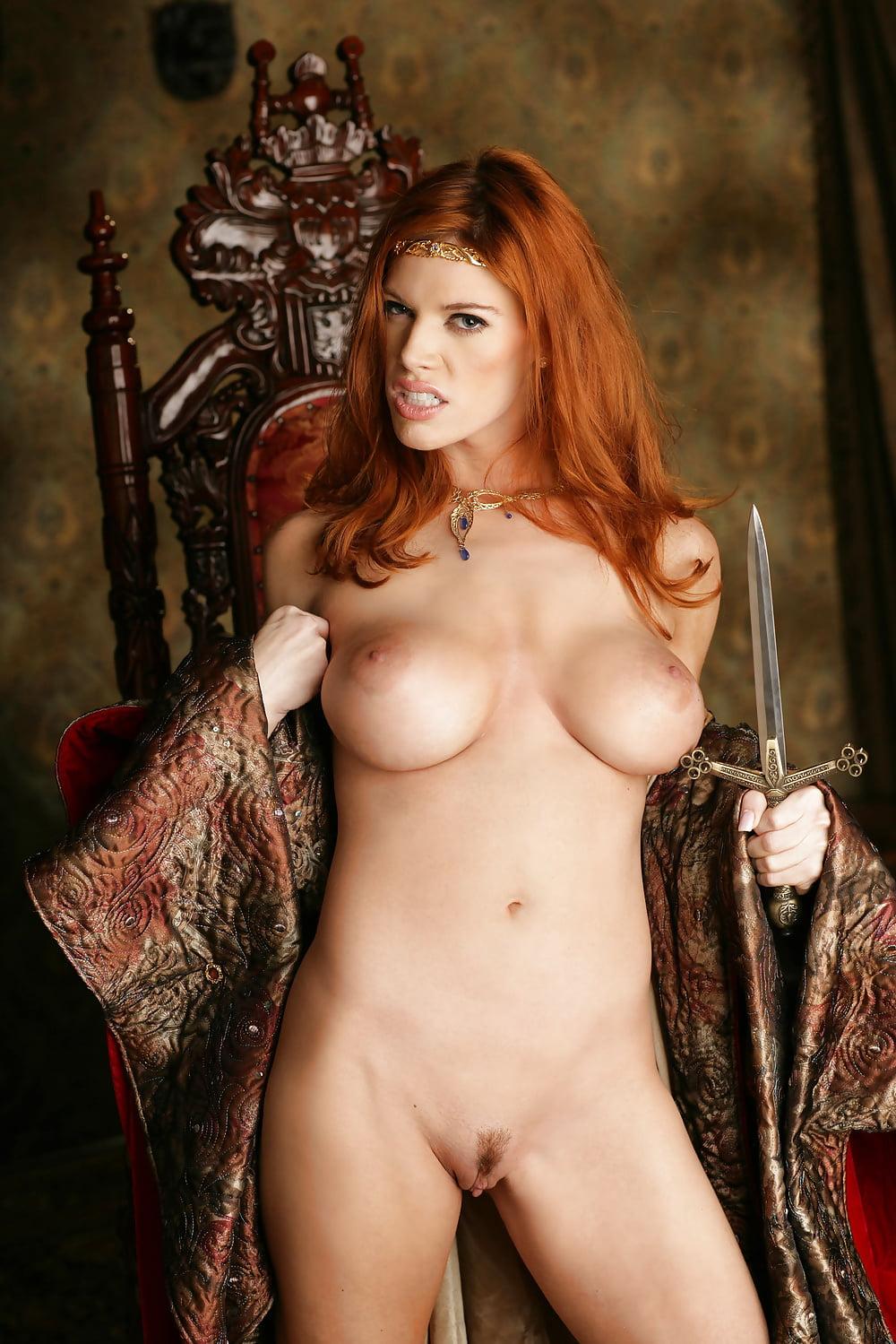 alyson-queen-nude