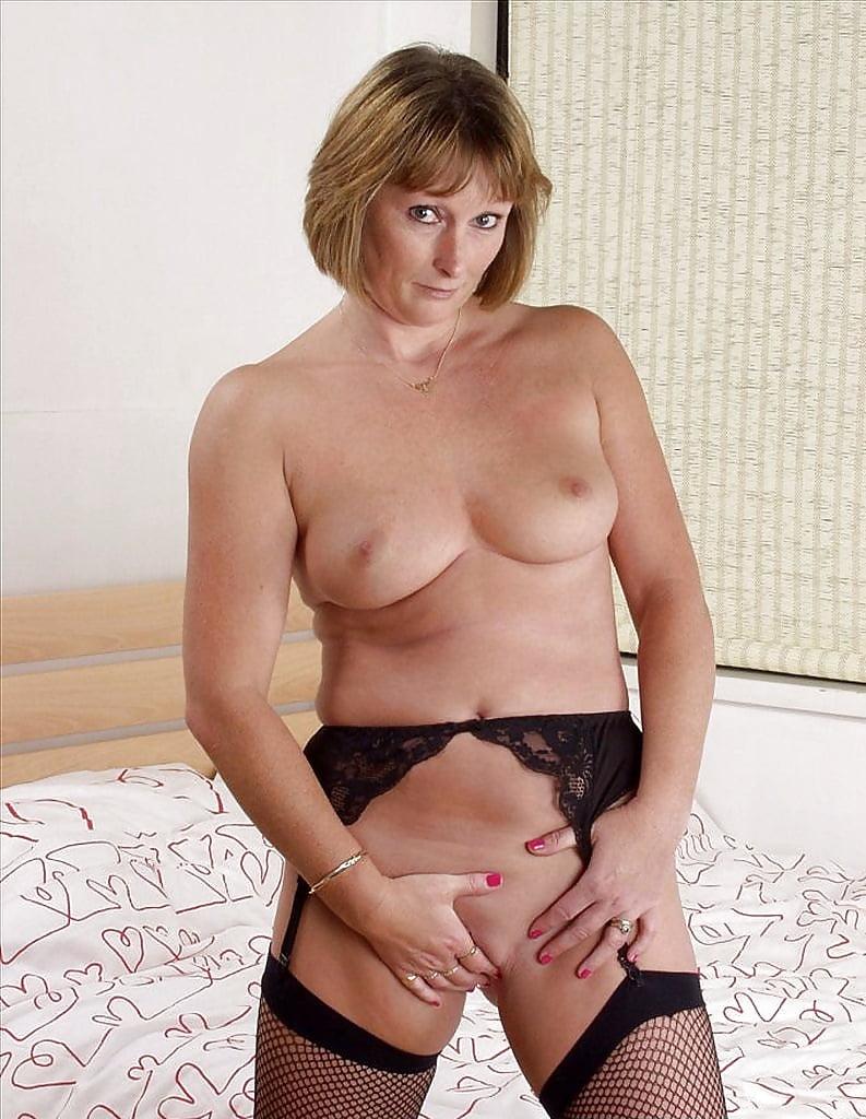 Sex sexy necked lady bobbie