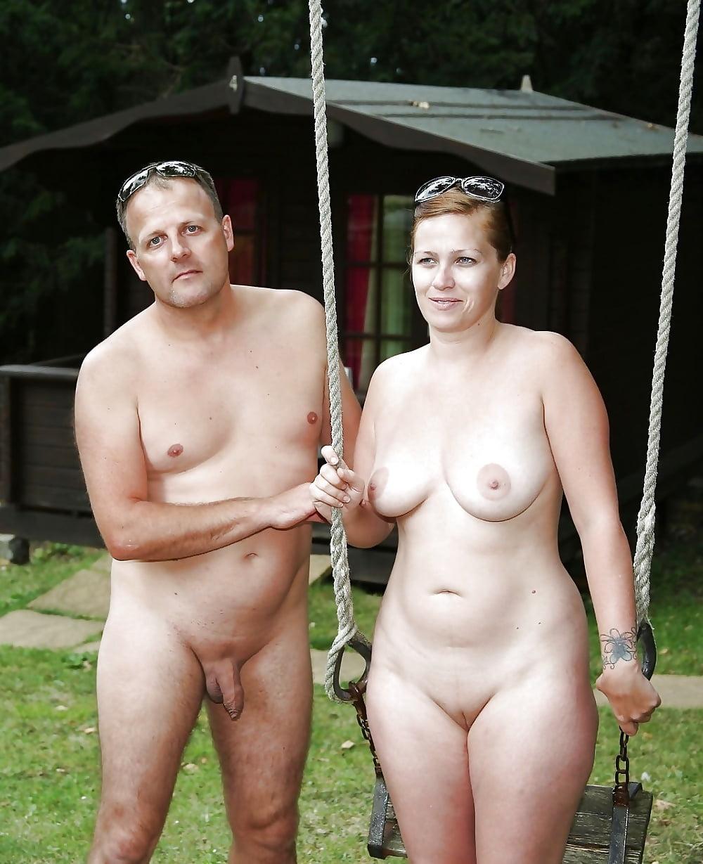 при всем видео голая женщина и мужик живи нами
