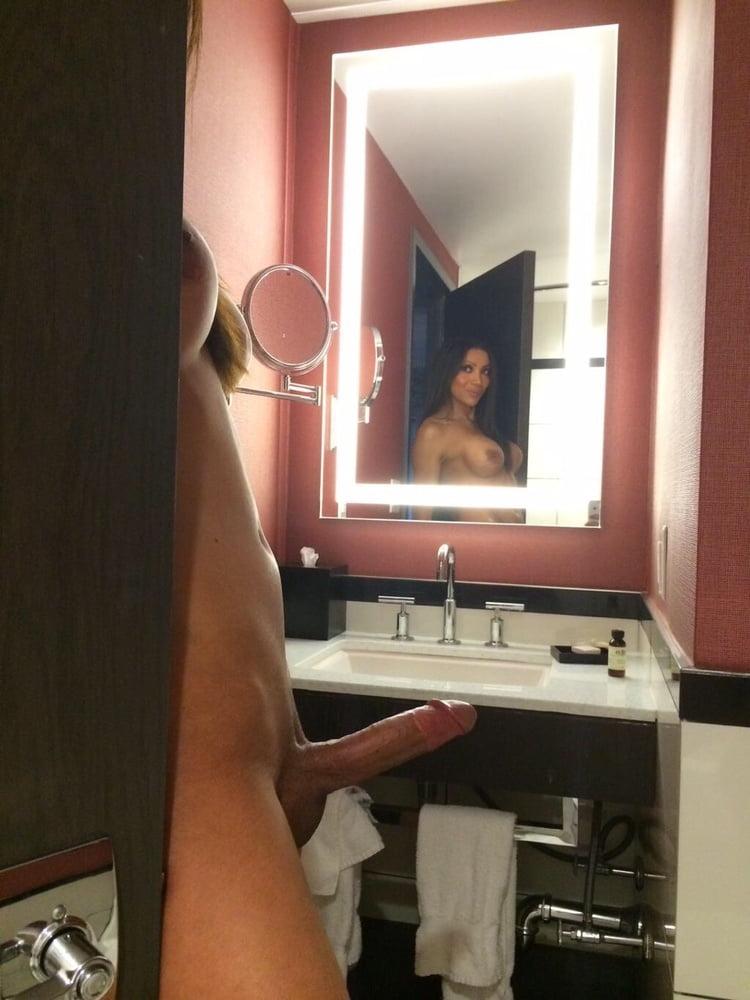 секс с трансвеститом перед зеркалом переименовать тему