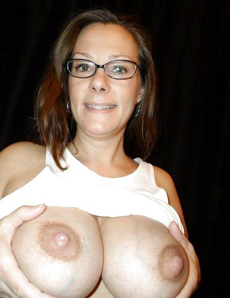 When milk comes in breast-3142