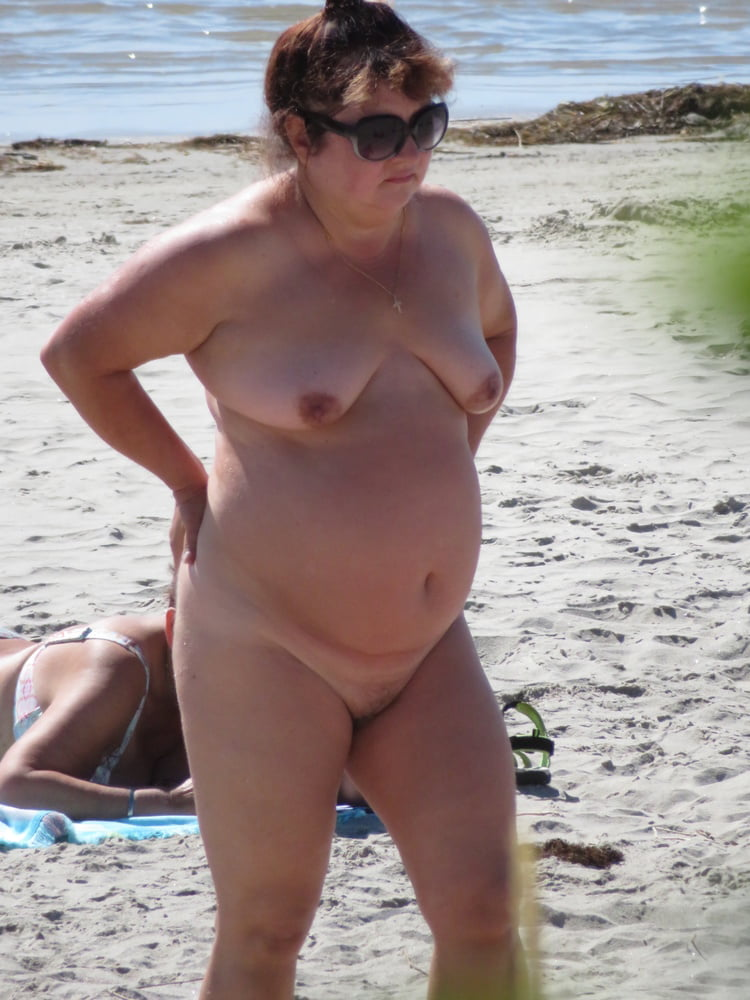 Superstar Nude Mature At The Beach Gif