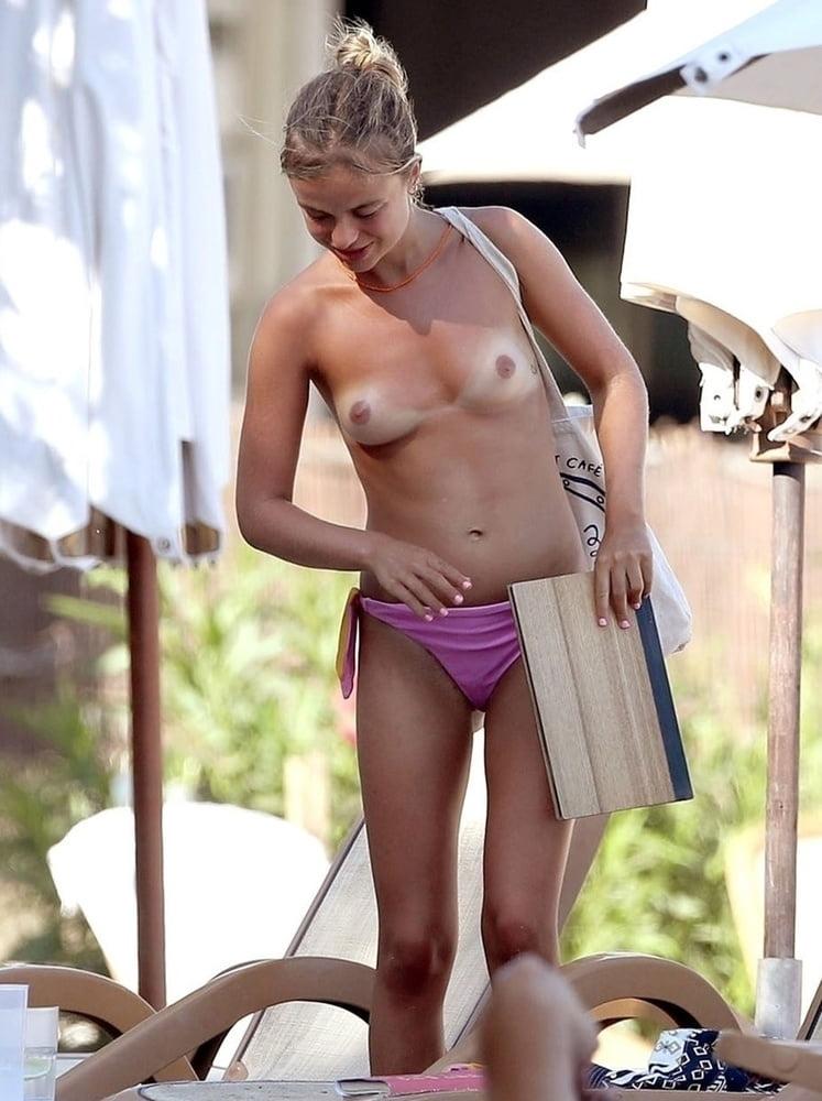 tubenaked-naked-windsor-girls