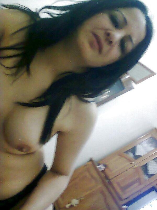 Sofia Nudes Milf Arab Girl 9 PICS - 5 Pics