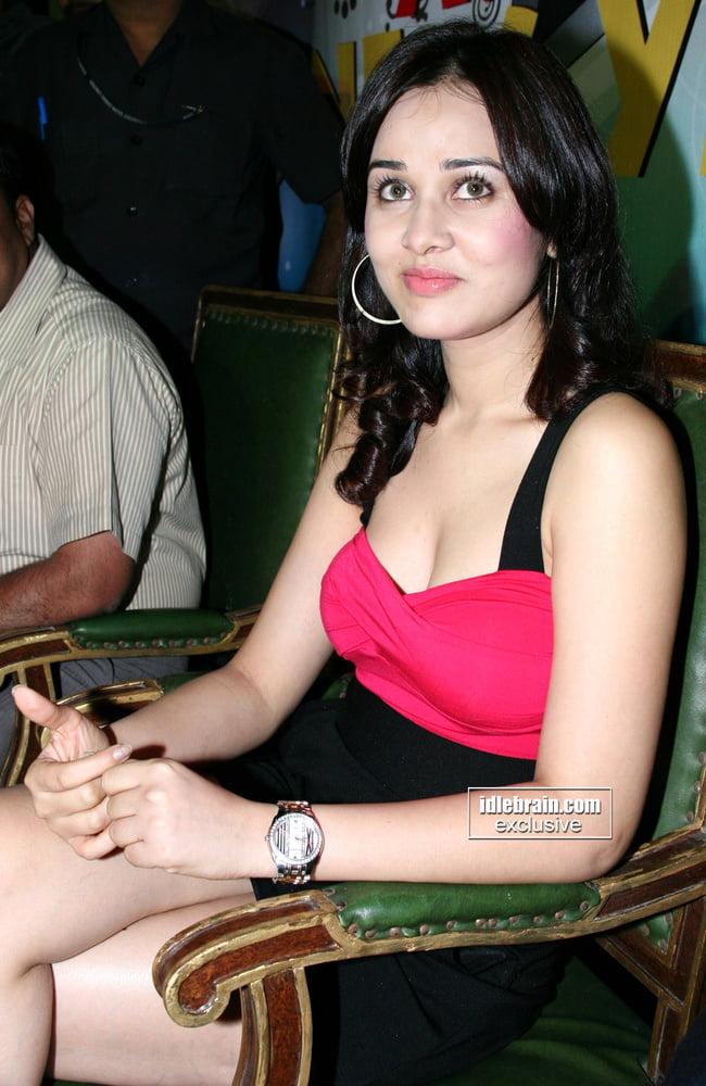 Nisha kothari nude photos-8389