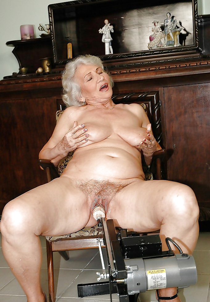 Nude granny with sex toys photos 4