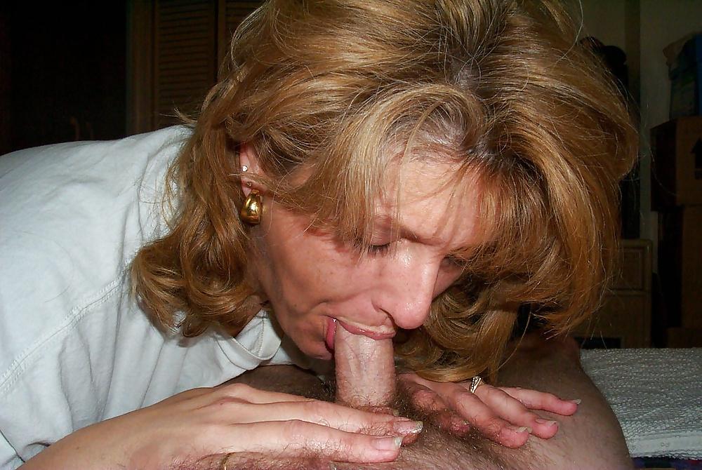 No hands bj thick mature blonde milf mom sloppy blowjob swallow cum