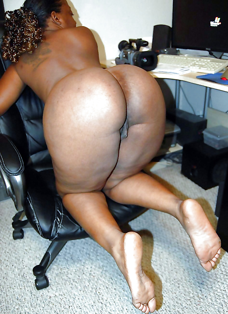 Black milf big ass porn pics