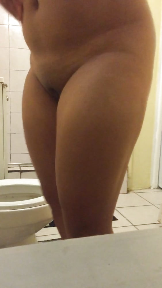 Miss cannabis spied and used in the bathroom - 2 3