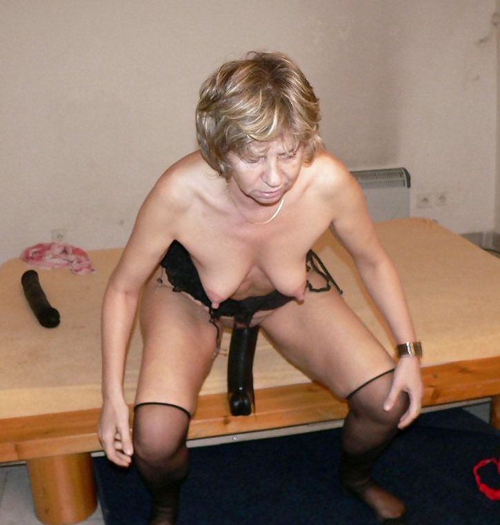Mature wife submissive