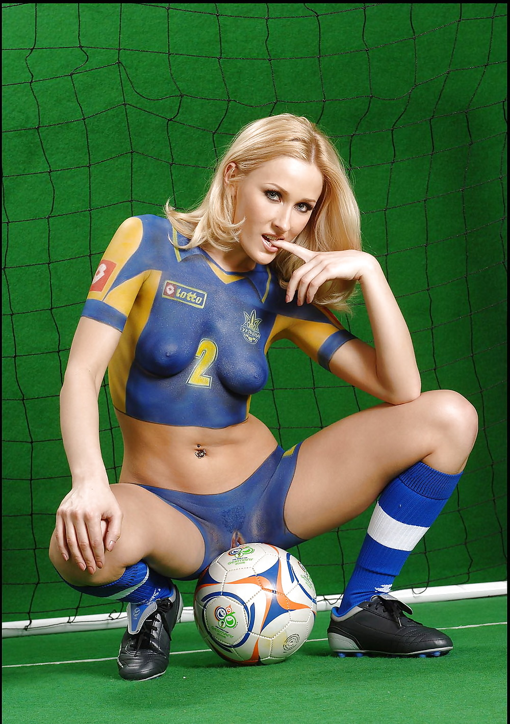 fucking-women-in-foot-ball-pic