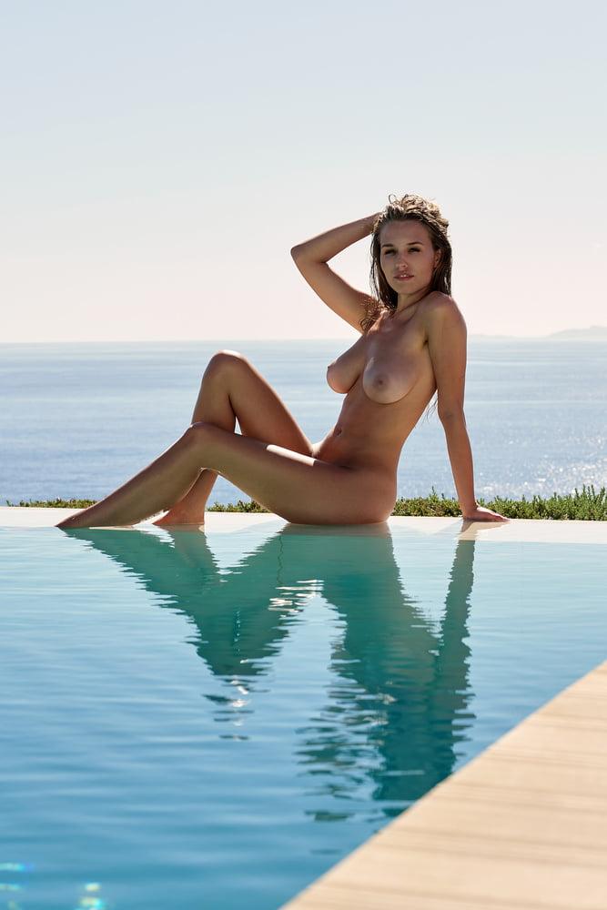 Playboy melanie nackt müller Melanie Müller