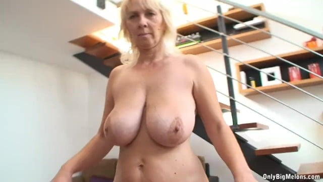 Mature boobs bounce