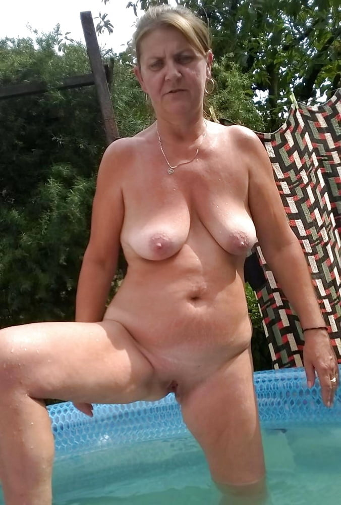 Bbw granny going nude in the pool