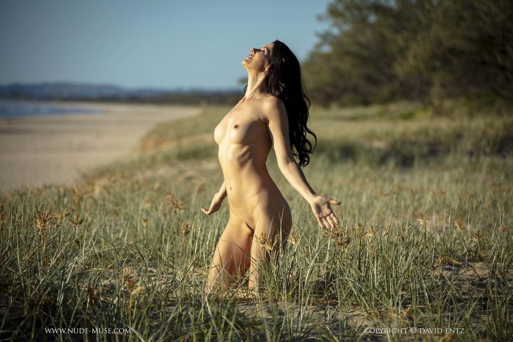 Nude desires