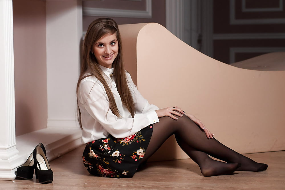 Teen girl pantyhose — photo 13
