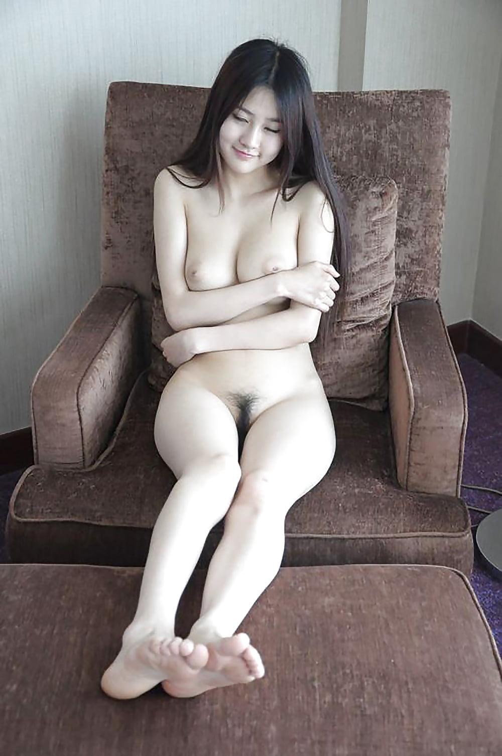 Cute nude chinese milf