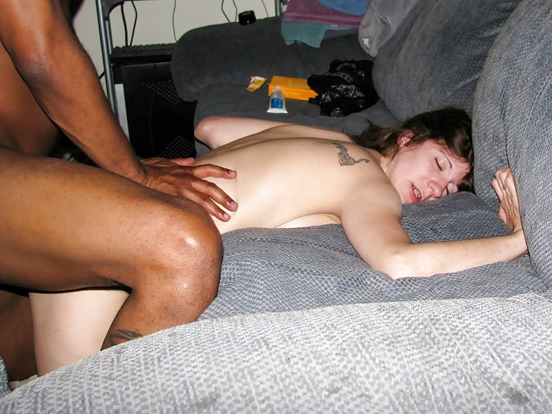Amateur sex with wife and stranger — photo 14
