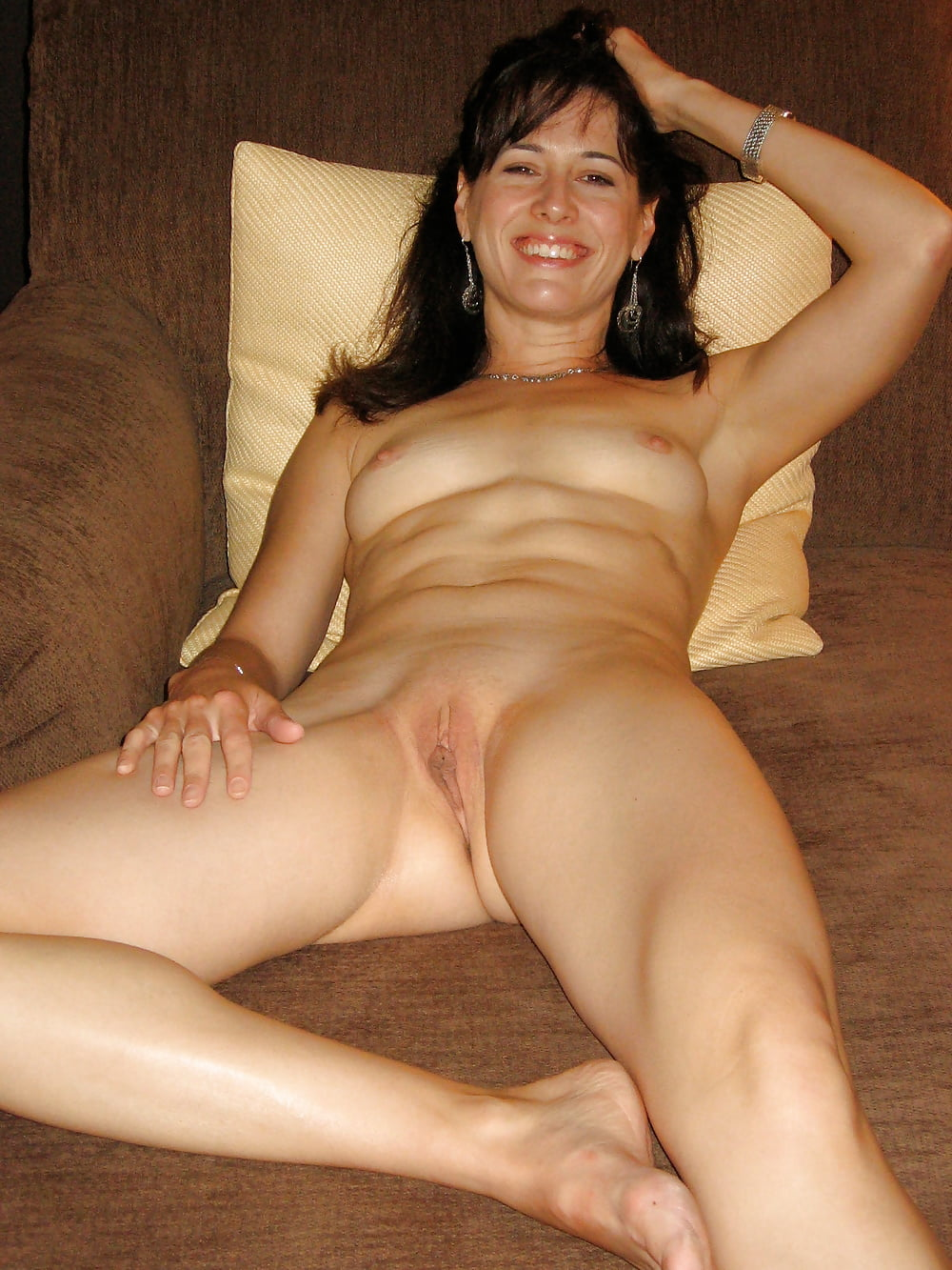 mature-milf-private-nude-video-game-naked-man