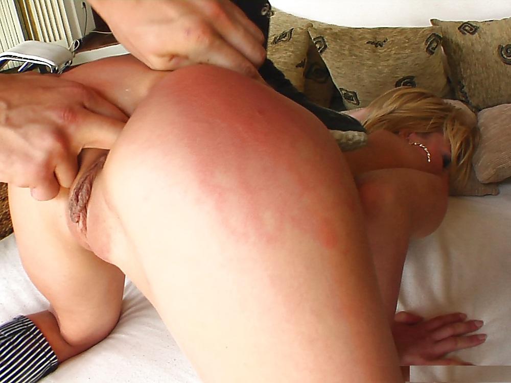секс с девушкой в шлепках фото галереи