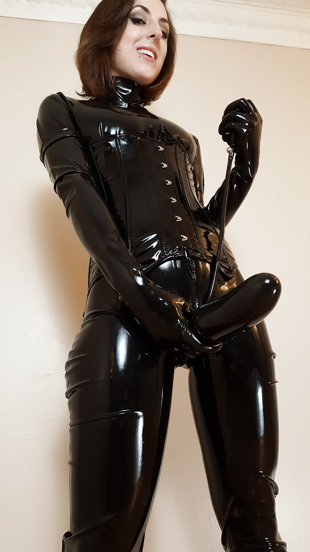 drinking-picture-latex-sexy-strapon-black-and
