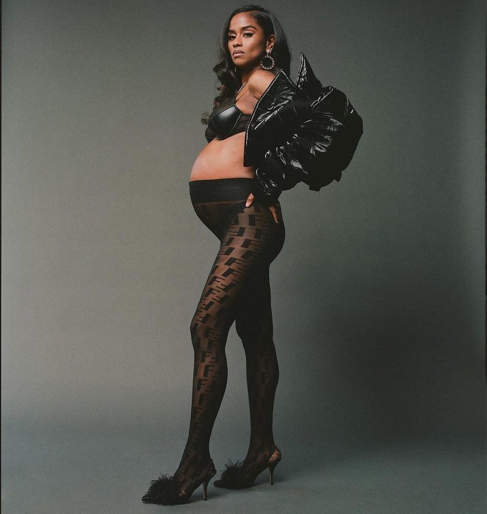 Vashtie Pregnant - 22 Pics