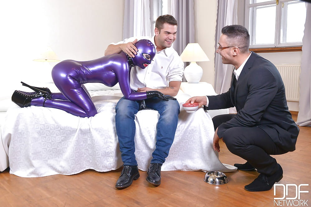 Latex Lucy Spanking Family Strokes 1