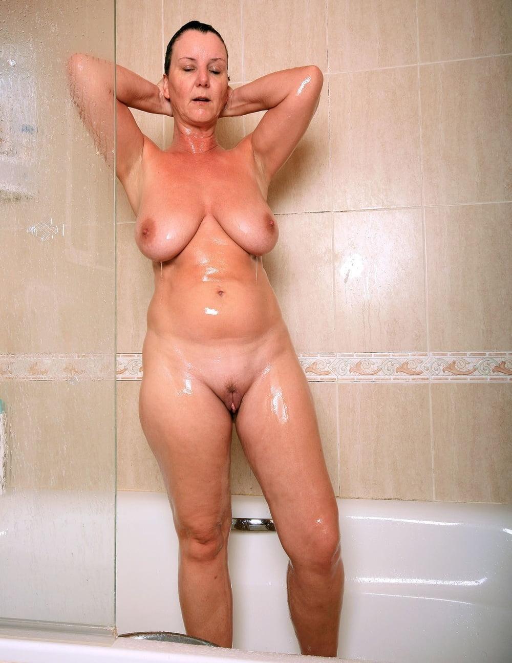 mature-shower-nude