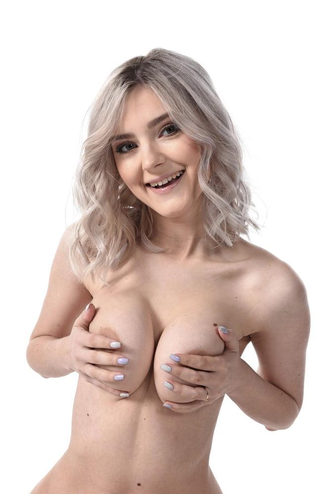 Eva Elfie 5