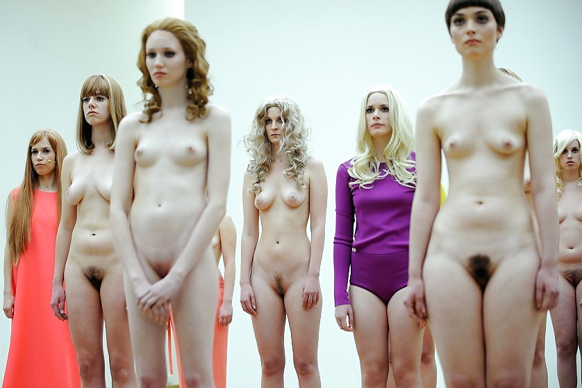 choir-girls-nude