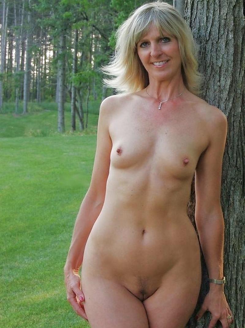 Mature Nude Women Sauna