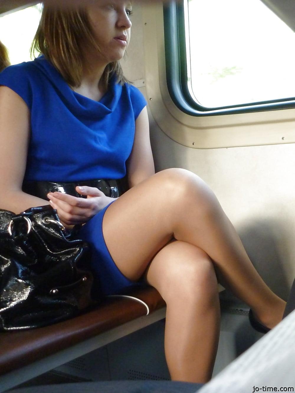 видео девушки в транспорте - 8