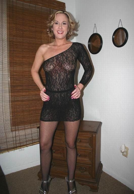 Blondes Love Exposure - 75 Pics
