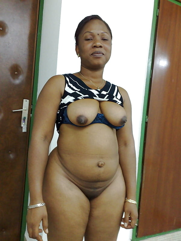 Ebony Outie Belly Button