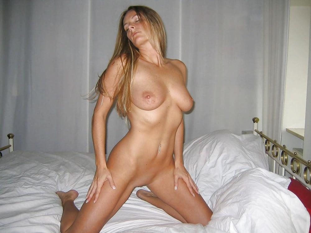 любительские фото девушек домашние сексуальные