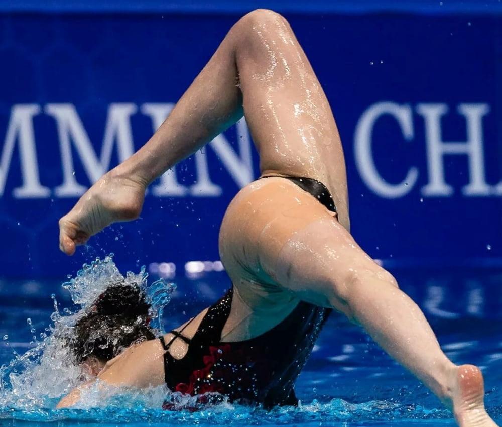 Synchronized Swimming Style