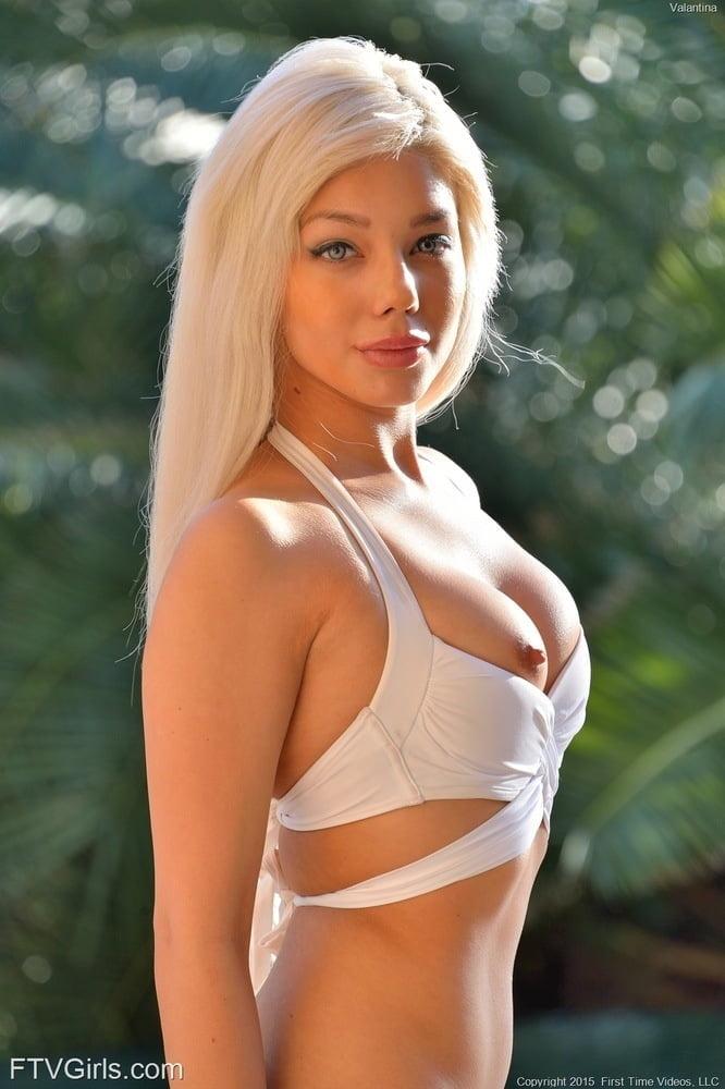 Elizabeth Jolie - 38 Pics