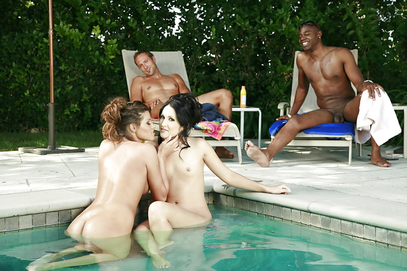 Couple Fuck By A Pool