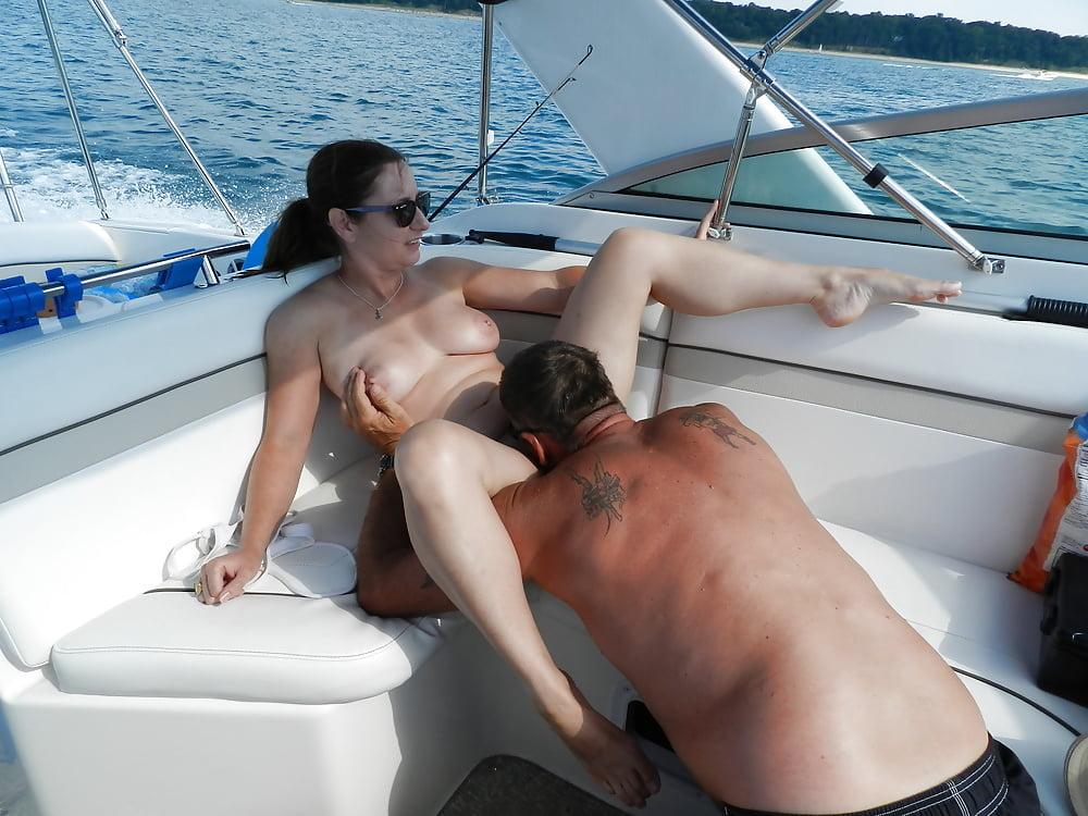 Max vegan extreme jilling on her sailboat