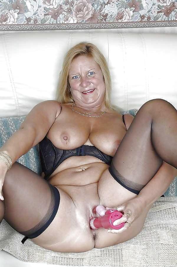 знам ония порно зрелой дамой загорелой немка один вечер собралась