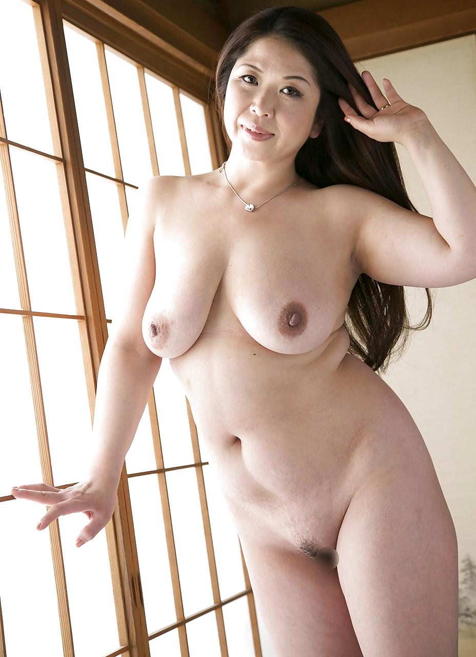 japanese-mothers-naked