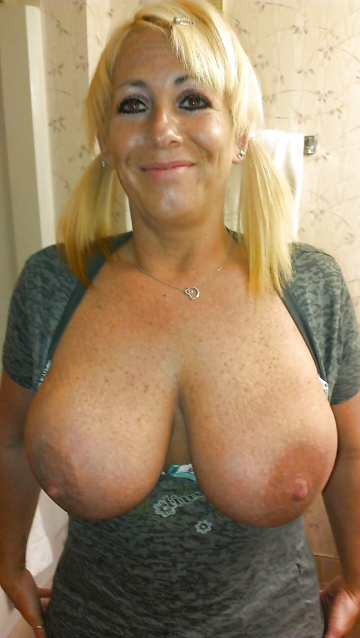 Mature d cup boob nude, girls fucking aimals