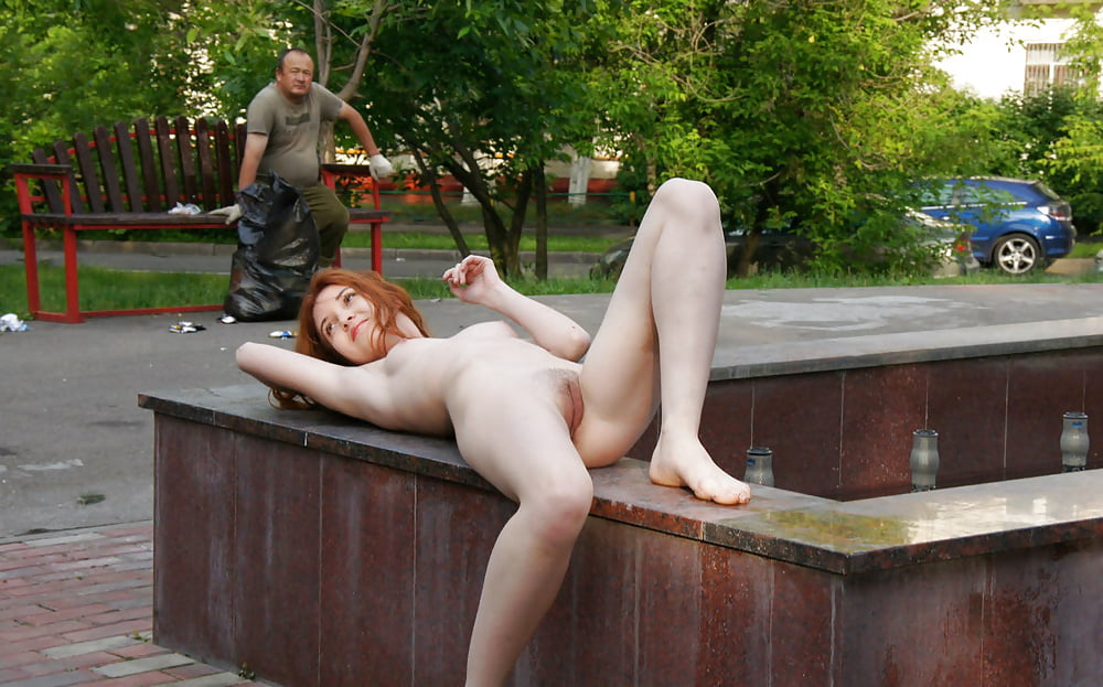 Hot Brunette Posing Naked At Moscow Park Entrance Russian Sexy Girls You Porn 1