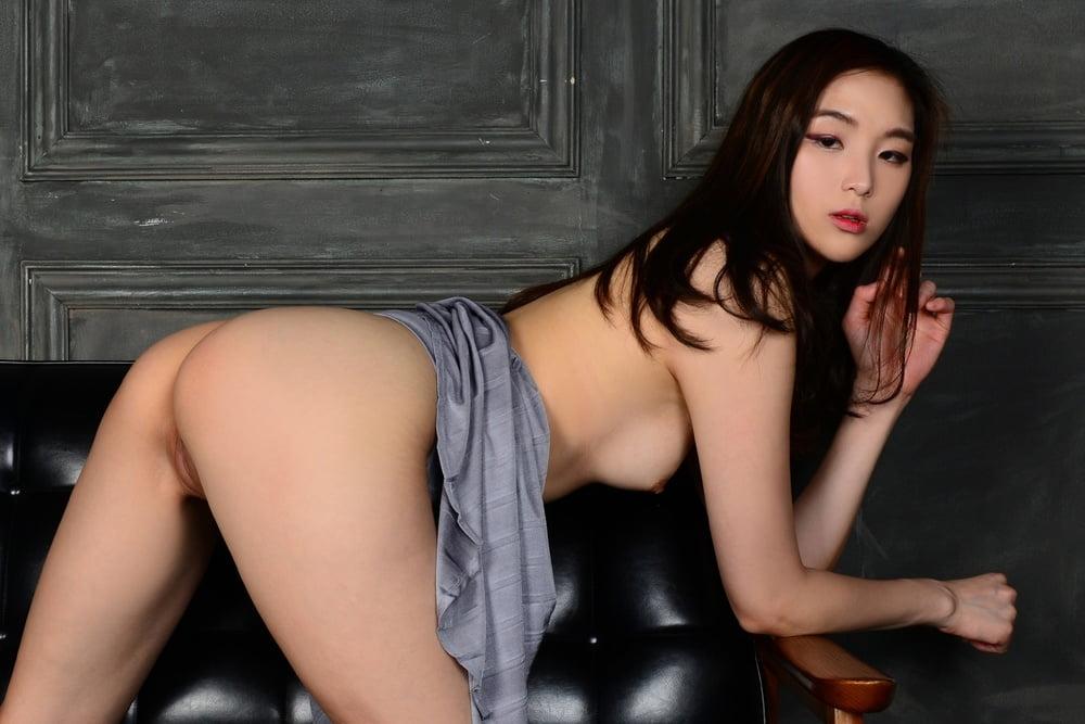 Naked Photo Of Korean Model