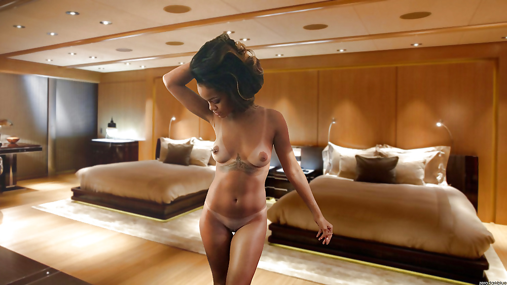 rihanna-nude-photo-scandal-nude-bloody-marry