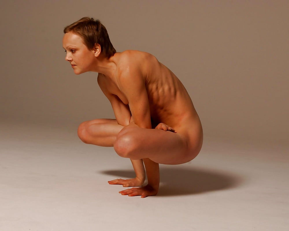Sexy french girl naked yoga — pic 8